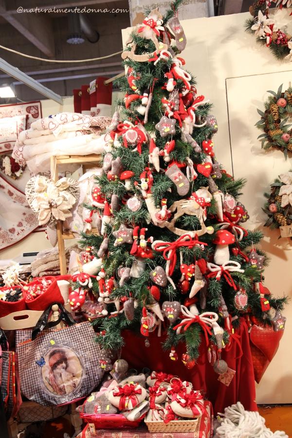 Idee per creare palline e decorazioni per l 39 albero di - Decorazioni albero di natale ...
