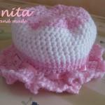 cappellino rosa bimba uncinetto 2
