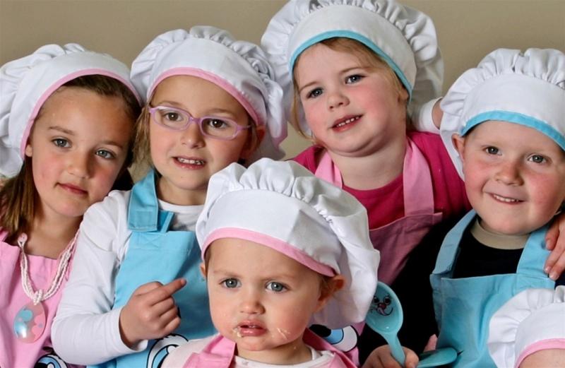 Grembiule Da Cucina Per Bambini Fai Da Te.Sono Arrivati In Italia Gli Accessori Da Cucina Per Piccoli Chef